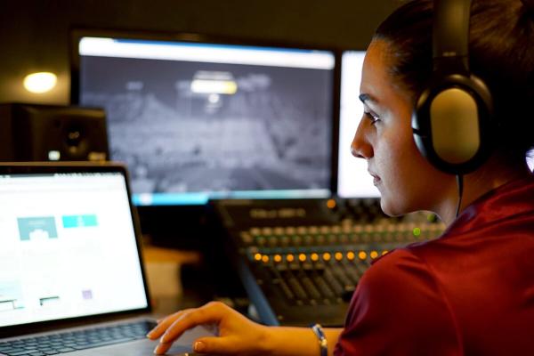 Gender gap in the music industry - Women roles